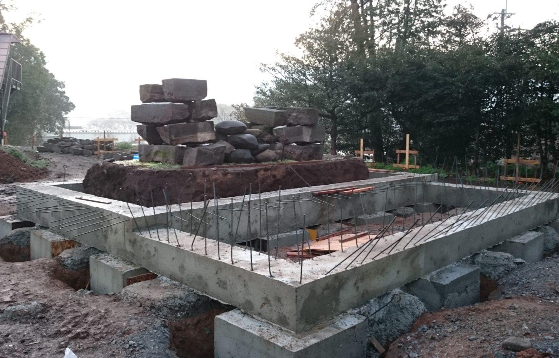 コンクリート基礎の完成
